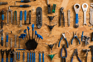 Assortment of bicycle toolsの写真素材 [FYI03582513]