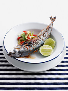 Plate of grilled fish with saladの写真素材 [FYI03584213]