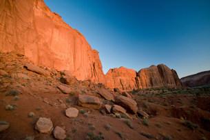 Monument Valley Navajo Tribal Park, Utah, USAの写真素材 [FYI03585785]