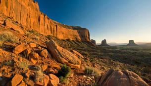Monument Valley Navajo Tribal Park, Utah, USAの写真素材 [FYI03585802]