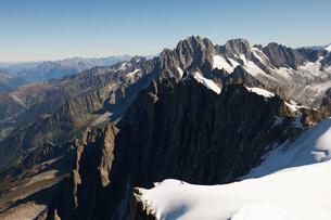 Mountain scene, Chamonix, Haute Savoie, Franceの写真素材 [FYI03586515]