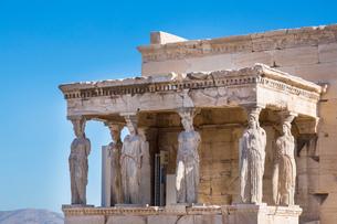 The porch of the caryatids, Erechtheion Acropolis, Athens, Attiki, Greece, Europeの写真素材 [FYI03590171]