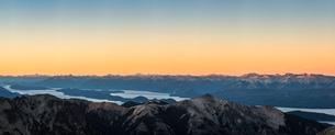 Panoramic sunset view of Andes mountain range, Nahuel Huapi National Park, Rio Negro, Argentinaの写真素材 [FYI03590198]