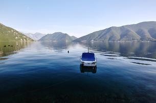 Motor boat anchored in Bay of Kotor, Montenegroの写真素材 [FYI03594508]