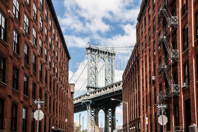 Manhattan Bridge, New York, USAの写真素材 [FYI03595811]