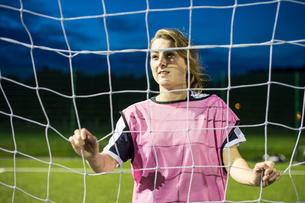 Female football player, Hackney, East London, UKの写真素材 [FYI03596486]
