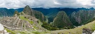 Views from the hike up Machu Picchu Mountain, Cusco, Peru, South Americaの写真素材 [FYI03599323]