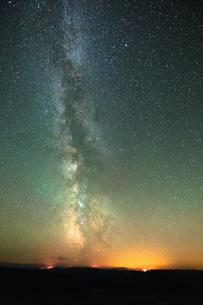 Diamond Creek Wildfire 2017, Milky Way, North Cascade Mountain Range, Penticton, British Columbia, Cの写真素材 [FYI03603642]