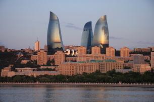 アゼルバイジャン バクー フレームタワーの写真素材 [FYI03609757]