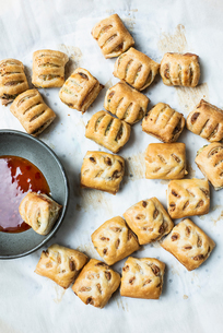 Puff pastry with dipping sauceの写真素材 [FYI03610232]