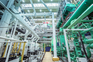 View of turbine hall in nuclear power stationの写真素材 [FYI03612237]
