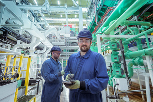 Portrait of engineer in turbine hall in nuclear power stationの写真素材 [FYI03612240]
