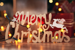 Festive Merry Christmas signの写真素材 [FYI03612634]
