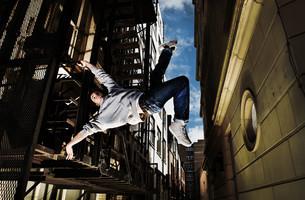 Young man breakdancingの写真素材 [FYI03613595]