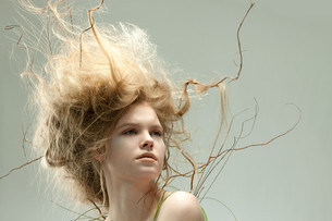 Portrait of young woman with unusual hairstyleの写真素材 [FYI03613816]