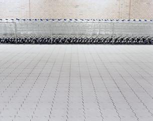 Line of grocery cartsの写真素材 [FYI03614025]