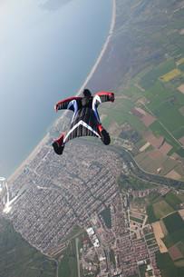 Wingsuit flying over Empuriabrava, Spainの写真素材 [FYI03614094]