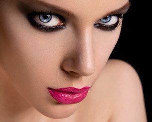 Face of a beautiful young woman wearing makeupの写真素材 [FYI03614575]