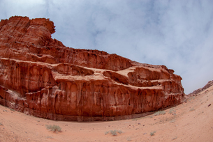 Desert landscape, Wadi Rum, Jordanの写真素材 [FYI03615573]