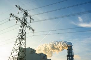 Coal fired power station, Eemshaven harbour area, Groningen, Netherlandsの写真素材 [FYI03615771]