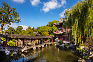 Pavilion of Listening to Billows in Yu Garden, Shanghai, Chinaの写真素材 [FYI03618352]