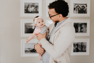 Father with baby daughterの写真素材 [FYI03619347]