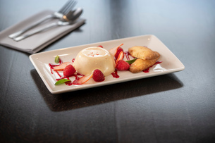 Panna Cotta dessert dish at Italian Restaurantの写真素材 [FYI03620604]