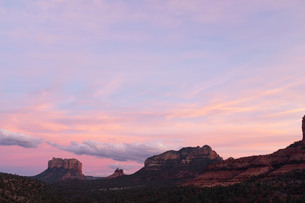 Scenic landscapes at sunset, Sedona, Arizona, USAの写真素材 [FYI03622386]