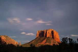 Scenic landscapes at sunset, Sedona, Arizona, USAの写真素材 [FYI03622389]