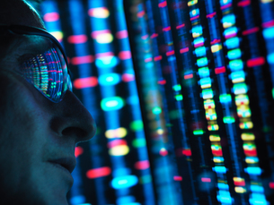 Genetic Research, scientist viewing DNA information on screens, close upの写真素材 [FYI03622609]