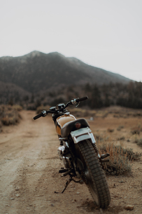 Motorbike, Kennedy Meadows, California, USの写真素材 [FYI03624888]