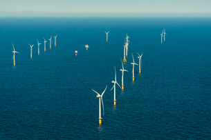 Offshore wind farm in the Borselle windfield, aerial view, Domburg, Zeeland, Netherlandsの写真素材 [FYI03626624]