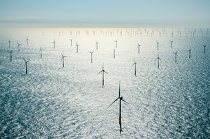 Offshore wind farm in the Borselle windfield, aerial view, Domburg, Zeeland, Netherlandsの写真素材 [FYI03626627]