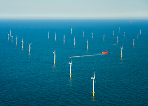 Offshore wind farm in the Borselle windfield, aerial view, Domburg, Zeeland, Netherlandsの写真素材 [FYI03626635]