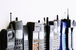 Row of mobile phonesの写真素材 [FYI03629275]