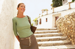 Tourist on Steps in Granada  Spain  front viewの写真素材 [FYI03629490]