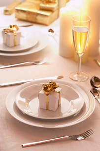 Place setting at Christmasの写真素材 [FYI03630082]