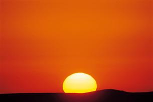 Sun settingの写真素材 [FYI03630515]