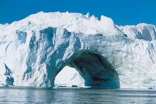 Archway made of Iceの写真素材 [FYI03630533]