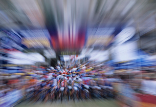 Bicyclists riding in Bicycle Race  zoom effectの写真素材 [FYI03631358]