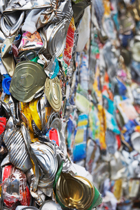Pile of tin cans  full frameの写真素材 [FYI03632228]