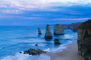 Australia  Victoria  Great Ocean Road  Twelve Apostlesの写真素材 [FYI03632853]