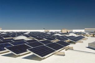 Solar Panels at Solar Power Plantの写真素材 [FYI03633772]