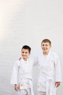 Boys dressed in uniformの写真素材 [FYI03634033]