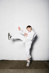 Boy practicing judoの写真素材 [FYI03634038]