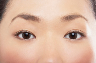 Young Asian womans eyesの写真素材 [FYI03635248]