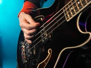Bass Guitarist Performingの写真素材 [FYI03636782]