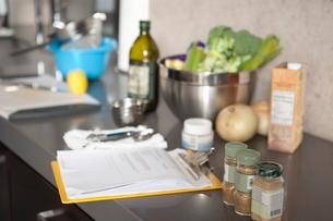 Salad ingredients and seasoningsの写真素材 [FYI03637800]
