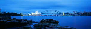 Sydney Harbor Bridge and Opera Houseの写真素材 [FYI03638696]