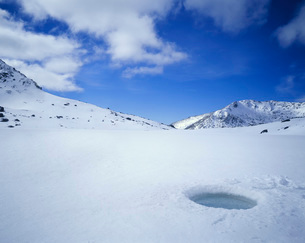 Breathing Hole in Iceの写真素材 [FYI03638700]